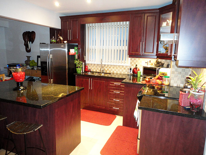 Perfect Red Kitchens with Mahogany Cabinets 700 x 525 · 111 kB · jpeg